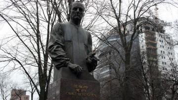 Памятник мэру Петербурга Анатолию Собчаку