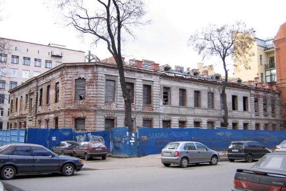 Улица Маяковского, 12, заброшенный амбулаторный корпус Мариинской больницы, поликлиника