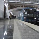 Петербургский метрополитен, поезд, станция Парнас