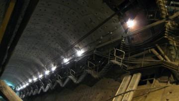 Станция метро Обводный канал, эскалаторный тоннель, наклонный ход