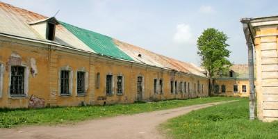 Нижние конюшни в Пушкине, двор