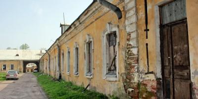 Нижние конюшни в Пушкине, дворовые фасады