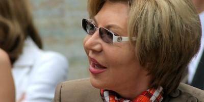 Вера Дементьева улыбается