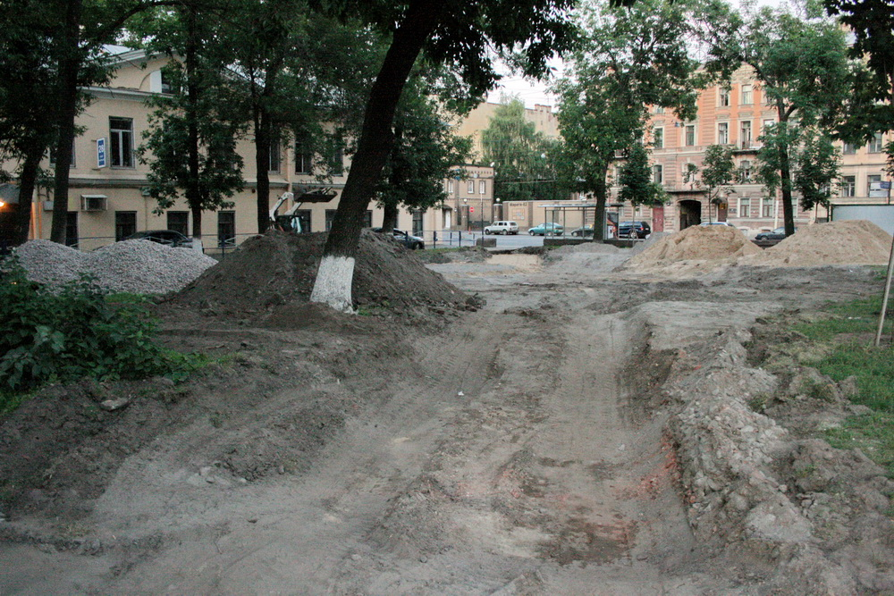 Сквер на углу улиц Звенигородской и Марата, ремонт