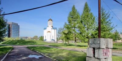 Малоохтинский парк и Успенская церковь