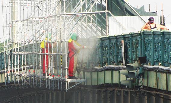 Реставрация перил литейного моста