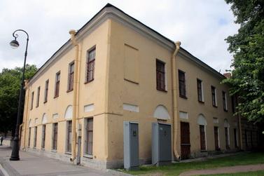 Служебный корпус Санкт-Петербургских градских богаделен на улице Смольного, 6