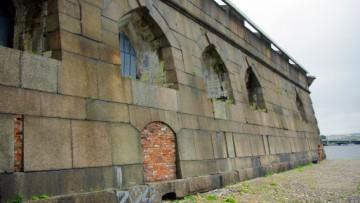 Петропавловская крепость, гранитный фасад