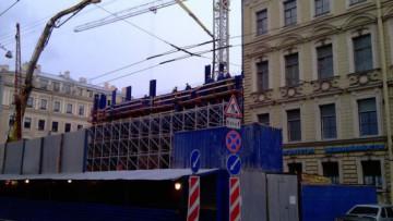 Строительство вестибюля станции метро «Адмиралтейская», три этажа