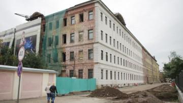 Аварийное здание в Державинском переулке, набережная реки Фонтанки, 116б