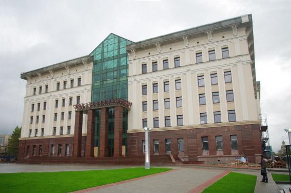 Здание Санкт-Петербургского городского суда на Бассейной улице, 8