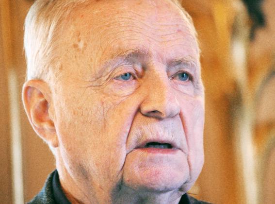 Кирпичников Анатолий Николаевич, археолог, руководитель Сталоладожской археологической экспедиции