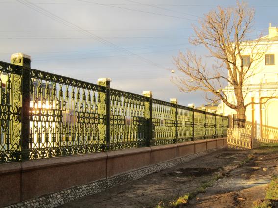 Ограда Шереметьевского дворца