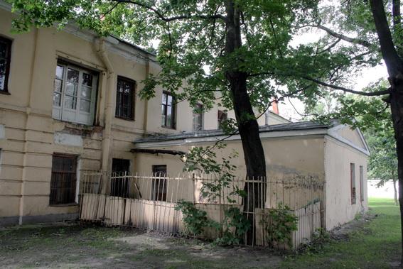 Улица Смольного, 6, корпус градских богаделен