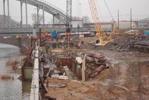 Строительство Ново-Кирпичного моста и набережной Обводного канала