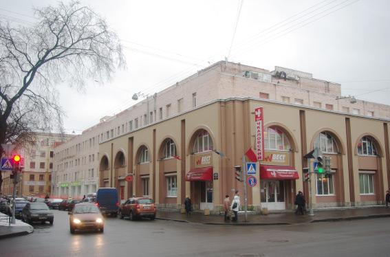 Надстройка, реконструкция торгового центра Чкаловский на Большой Разночинной улице, 14 Б