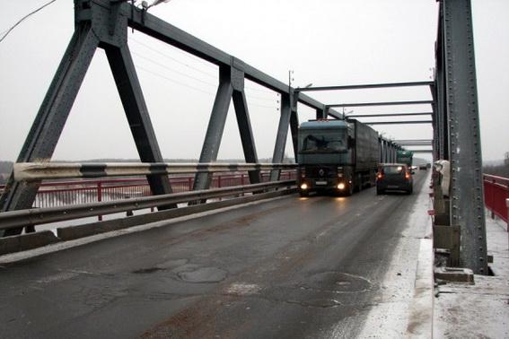 Мост через реку Волхов на Мурманском шоссе, трассе Кола