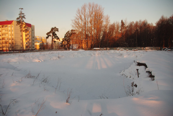 Место строительство жилого комплекса на месте тубдиспансера в Сестрорецке