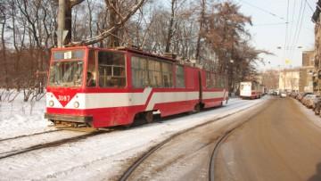 На Кронверкском проспекте из-за аварии останавливалось трамвайное движение