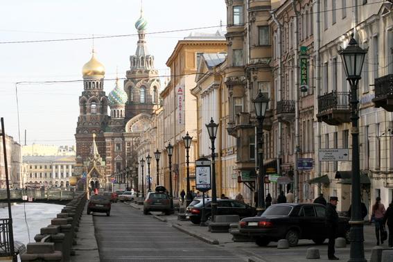 Пешеходная зона на набережной канала Грибоедова