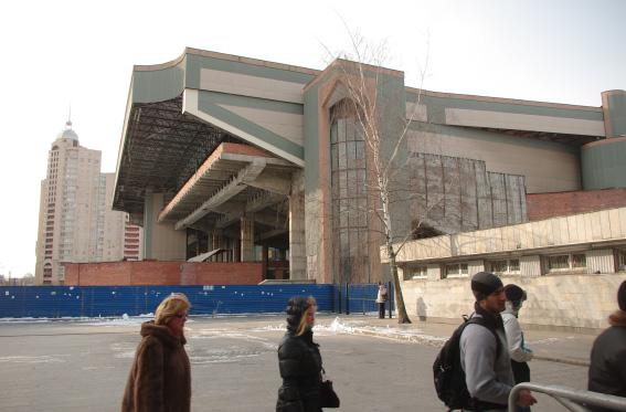 Кинотеатр «Русь», метро «Пионерская»