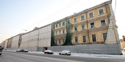 Проспект Римского-Корсакова, 22, казармы Морского гвардейского экипажа, фасад