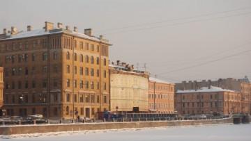 Смольный расторгает договор на реконструкцию дома Шагина