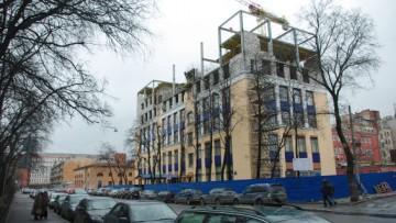 Четырехэтажный конгресс-центр «Петроконгресс» на Лодейнопольской улице, 5