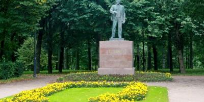 Красное Село, памятник Ленину