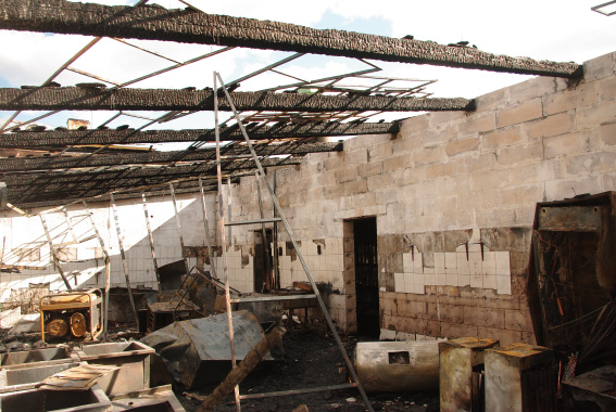 """Ресторан """"Лето"""" на территории Петропавловской крепости после пожара"""