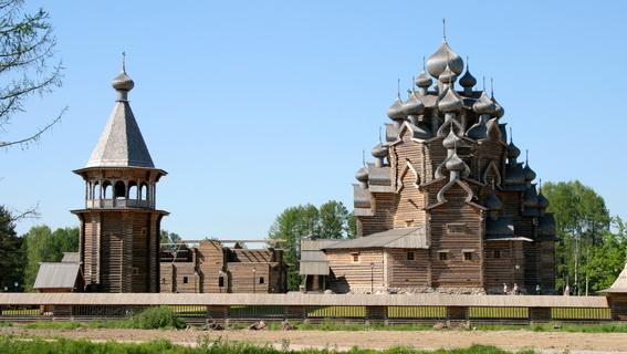 Церковь Покрова Пресвятой Богородицы в Невском лесопарке