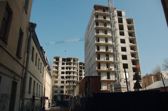 Строительство жилого дома на улице Черняховского, 25