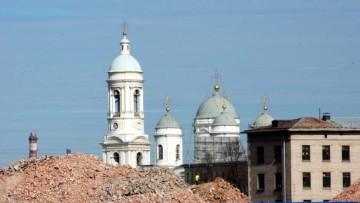 Набережная Европы, строительная площадка рядом с Князь-Владимирским собором