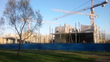 Строительство многофункционального комплекса у парка Городов-героев