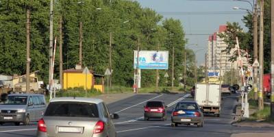 Краснопутиловская улица, железнодорожный переезд