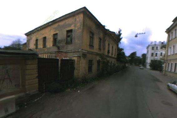 Здание, стоявшее на месте «Дома на Резной»