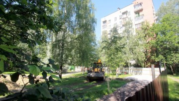 Жилой дом на улице Лени Голикова, 15, строительство, забор