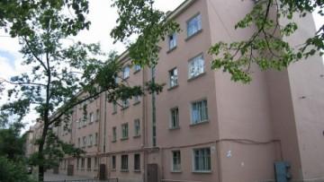 Расселенный дом в Московском районе превратился в свалку