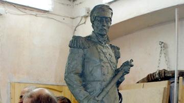 Памятник адмиралу Нахимову на Прибалтийской