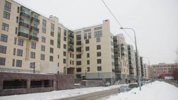 Орловская улица, 1. Комплекс «Смольный парк»