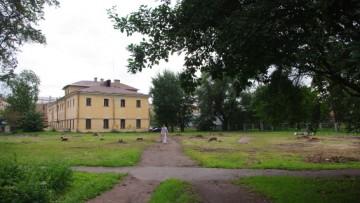 Сад перед «Леннаучфильмом» на Мельничной вырубают под застройку