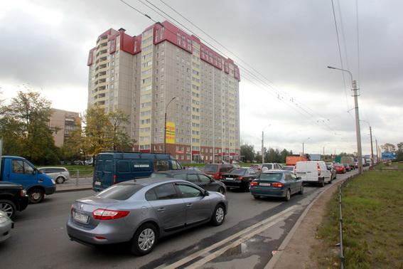 Пробка на проспекте Большевиков