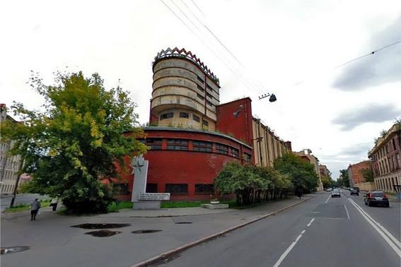 Завод Красное знамя на Пионерской