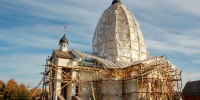 Церковь Святого Георгия в парке Интернационалистов