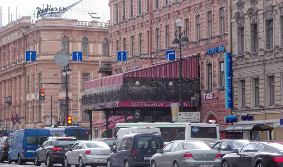 Балкон на доме купца Палкина на Невском проспекте, 47