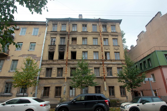 Улица Тюшина, 6