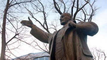 Бронзовый Ленин