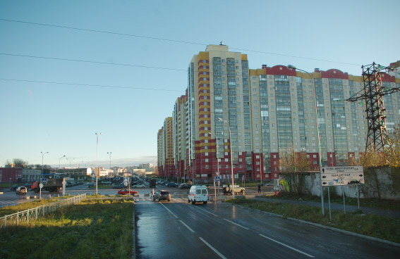 Долгоозерная улица, перекресток с Парашютной