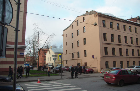 Место выхода нового отрезка Кирочной улицы на Красного Текстильщика