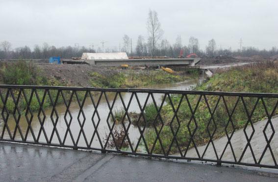 Новый мост рядом с мостом Дыбенко